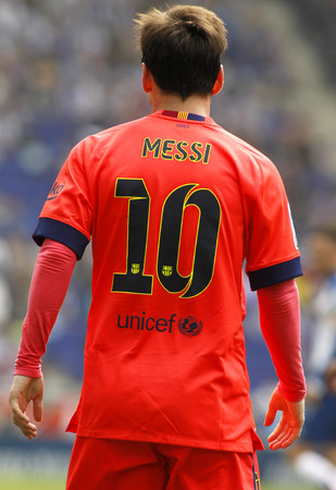 mesi: Back of Leo Messi of FC Barcelona during a Spanish League match against RCD Espanyol at the Power8 stadium on April 25 2015 in Barcelona Spain
