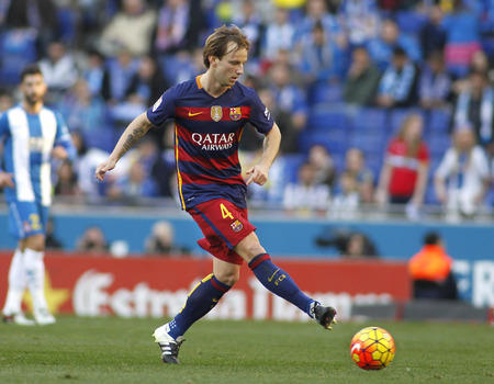 futbol: Ivan Rakitic of FC Barcelona during a Spanish League match against RCD Espanyol at the Power8 stadium on January 2, 2016 in Barcelona, Spain