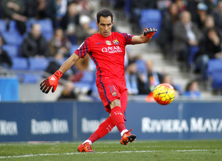 futbol: Claudio Bravo of FC Barcelona during a Spanish League match against RCD Espanyol at the Power8 stadium on January 2, 2016 in Barcelona, Spain Editorial