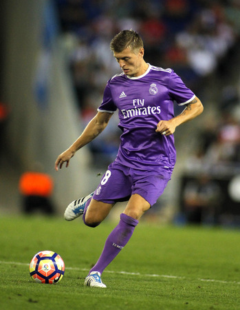 futbol infantil: Toni Kroos of Real Madrid during a Spanish League match against RCD Espanyol at the RCDE Stadium on September 18 2016 in Barcelona Spain Editorial