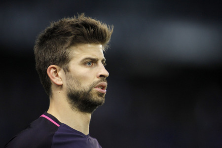 futbol infantil: Gerard Pique of FC Barcelona during a Spanish League match against RCD Espanyol at the RCDE Stadium on April 29 2017, in Barcelona Spain