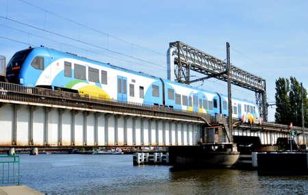 鉄道橋の上