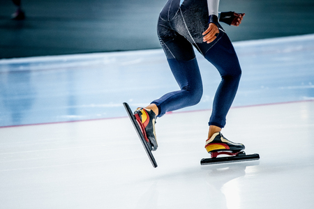 feet girl athletes skaters during competitions in speed skating 스톡 콘텐츠
