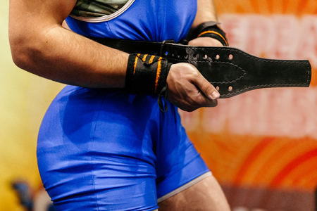 athlete powerlifter belt for lifting in powerlifting competitions