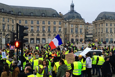 Bordeaux, France - December 8, 2018: yellow vest protests against increase taxes on gasoline and diesel introduced government of France Banque d'images - 115037596