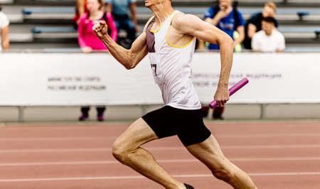 male athlete runner run relay race run Banque d'images
