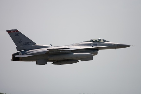 St. Thomas, Canada.  June 26th, 2011. An F16 Fighting Falcon from the 135th Oklahoma Air National Guard takes off from the Great Lakes International Air Show in St. Thomas Ontario Canada.