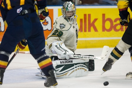 john labatt centre: London Ontario, Canada - October 14, 2011. London goalie Micheal Houser keeps a close eye on a rebound during their game against the Erie Otters. London won the game 6-4.