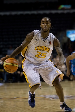 john labatt centre: London Ontario, Canada - November 4, 2011. Gabe Freeman of the London Lightning carries the ball in a game against the Halifax Rainmen. London won the game 118-110 in front a crowd of 3600 spectators.