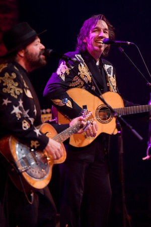 fearing: Hamilton Ontario, Canada - November 19, 2011. Stephen Fearing, right and Colin Linden of Blackie and the Rodeo Kings performs at the 2011 Hamilton Music Awards Gala held at Mohawk College.  Editorial
