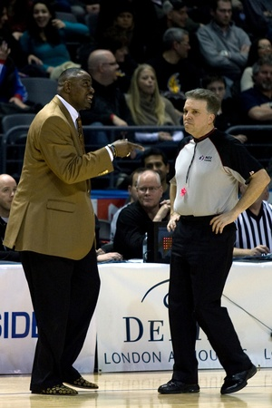 london lightning: London Ontario, Canada - January 19, 2012. London Lightning coach Michael Ray Richardson expresses his displeasure with an official. Richardson was suspended for one game relating to an incident in a regular season National Basketball League of Canada gam Editorial