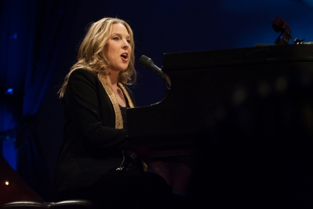 muscian: London, Canada - March 4, 2013. Canadian jazz singer and pianist, Diana Krall performs at the Budweiser Gardens in London Canada.  Editorial