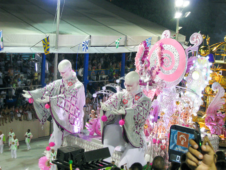 rio de janeiro: Rio de Janeiro, Brazil - February 23: amazing extravaganza during the annual Carnival in Rio de Janeiro on February 23, 2009 Editorial