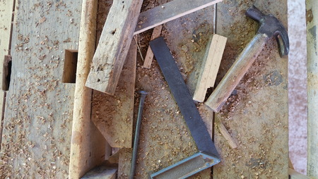 carpenter's sawdust: hammer and square