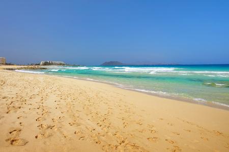 Beach Corralejo on the Canary Island Fuerteventura, Spain. View on the Islands Lobos and Lanzarote. Reklamní fotografie