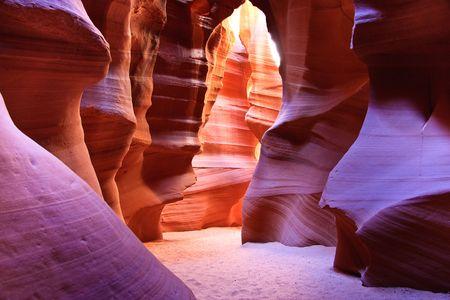 """Kanion Antylopy jest najbardziej photographed Kanion gniazdo w poÅ'udniowo-zachodniej amerykaÅ""""ski. PoÅ'ożone jest na gruntach Navajo niedaleko strony, Arizona. Zdjęcie Seryjne"""