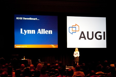 LAS VEGAS - DEC 2:   Lynn Allen at the AutoDesk University 2009 Conference December 2, 2009 at the Mandalay Bay Hotel and Casino Las Vegas, Nevada. Publikacyjne
