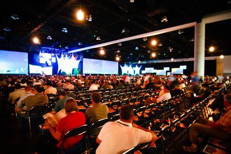 conferentie: SAN DIEGO - 12 juli: Gebruiker conferentie van ESRI (milieu Systems Research Institute) is de grootste GIS (geografisch informatie systeem) conferentie wereldwijd. 12 Juli 2010 in San Diego Californië Redactioneel