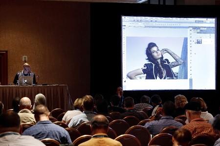 conferentie: LAS VEGAS - 1 SEPT: Photoshop World 2010 conferentie klas. September 1, 2010 in Las Vegas, Nevada.  Redactioneel
