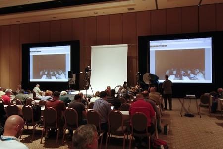 exhibition crowd: LAS VEGAS - 2 SEPT: Photoshop World 2010 presso il seminario di formazione conferenza per la fotografia. 2 Settembre 2010 a Las Vegas.