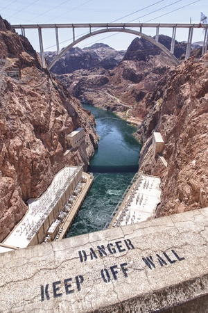 acrophobia: Warning to Keep off the Wall at Hoover Dam Stock Photo