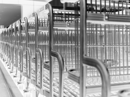 reverse: reverse gradient Black and white of stack shopping cart