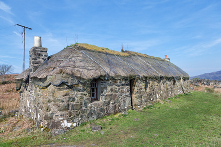 croft: Traditional scottish thatched croft house