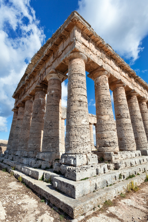 templo griego: Templo griego de Segesta, Sicilia