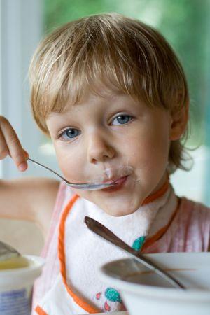 child eating photo