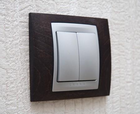 electric fixture: accendere l'illuminazione