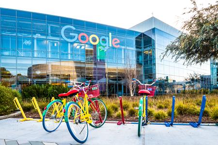 グーグルプレックス - グーグル本社でのバイク 報道画像