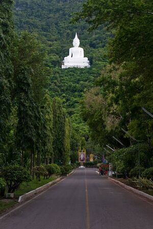 grand palace: His white, green jungle.