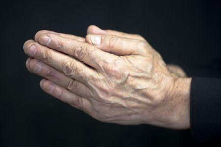 prayer hands: Vecchie mani in preghiera  Archivio Fotografico