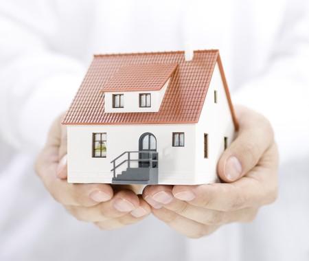 housing: Inicio en manos  Foto de archivo