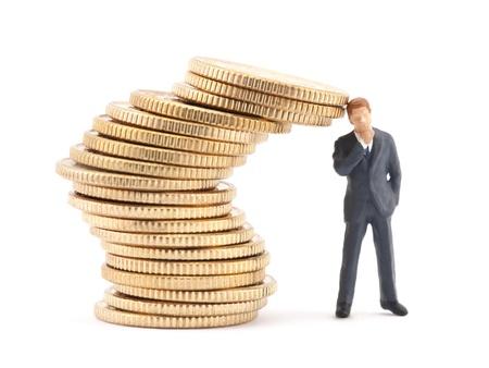 Abbildung der Geschäftsmann und Stapel von Münzen Standard-Bild - 13087473