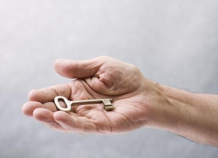 caring hands: Sleutel in de hand
