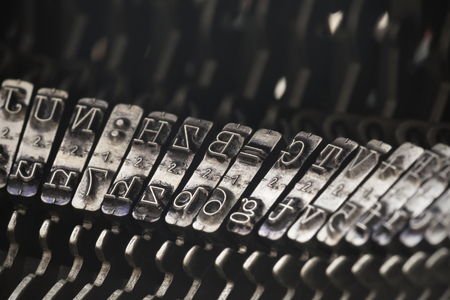 Close up of vintage typewriter letters Imagens - 107746062