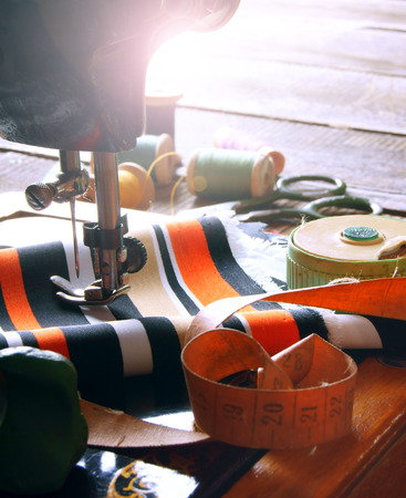 kit de costura: Costura. La m�quina de coser y accesorios.