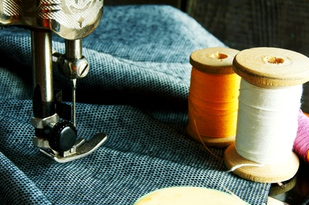 textile industry: Sewing. The sewing machine and accessories.