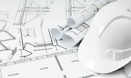 Zeichnungen für den Bau von Haus und Helm. Werkzeichnungen. Standard-Bild - 37675495