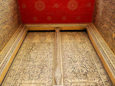 thaiart: art of thai temple door