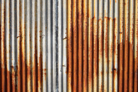 錆びたトタン板