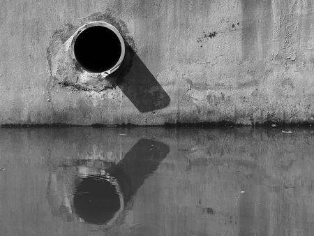 crack pipe: black and white drain water - allow to drain into the canal
