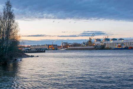 Malaya Neva. View of the shop shipyard. Twilight