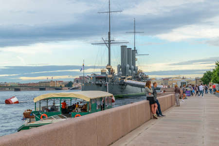 deck cannon: SAINT-PETERSBURG, RUSSIA - AUGUST 5, 2016: The cruiser Aurora after a long renovation returned to the place of eternal parking on the Petrograd embankment. Cruiser Aurora can visit all comers