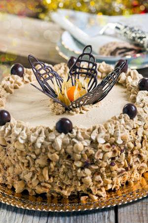 """cafe y pastel: Coffee Cake """"Mocha"""" en una mesa de madera. Foto de archivo"""