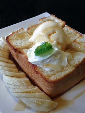 Honey toast ice cream photo