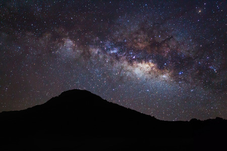 vulpecula: Silhouette of moutain and Milky Way
