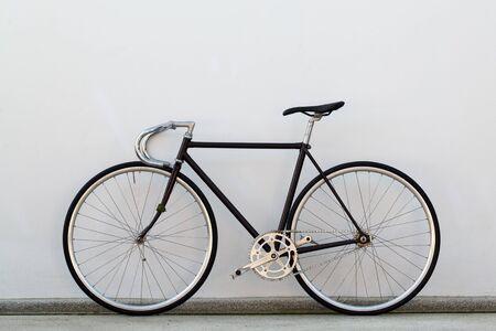 fixed: Bicicleta Ciudad artes fijos y muro de hormigón