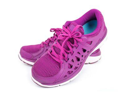 personas corriendo: Zapatos violeta deporte en ejecución aislados sobre fondo blanco